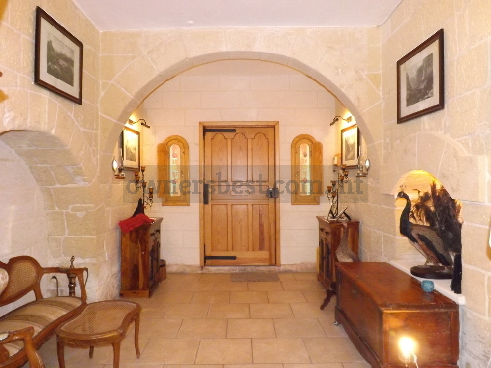 terraced-house-in-zebbug