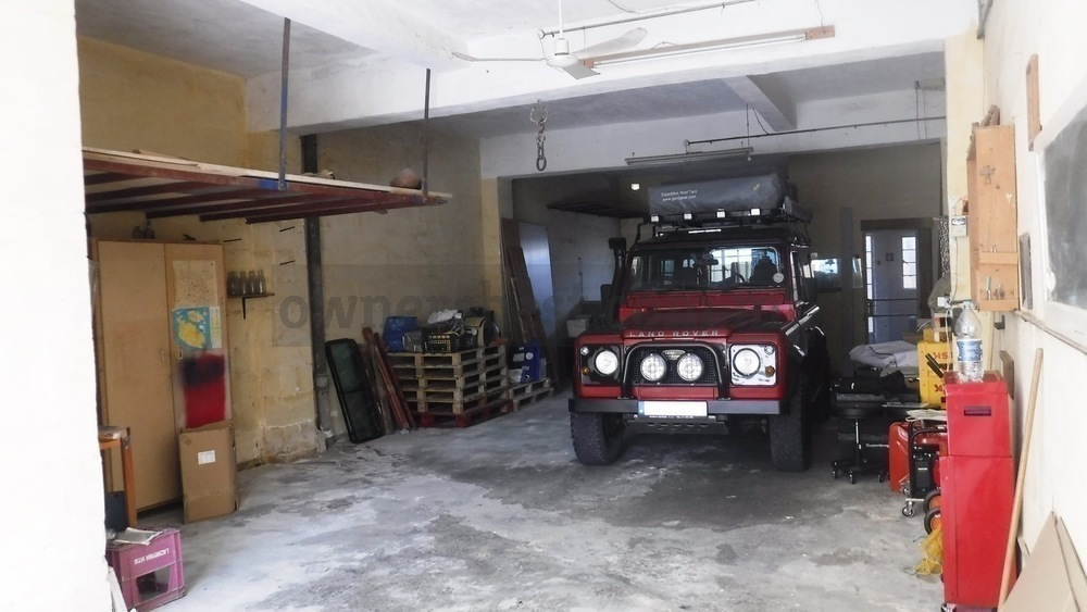garage-street-level-in-birkirkara