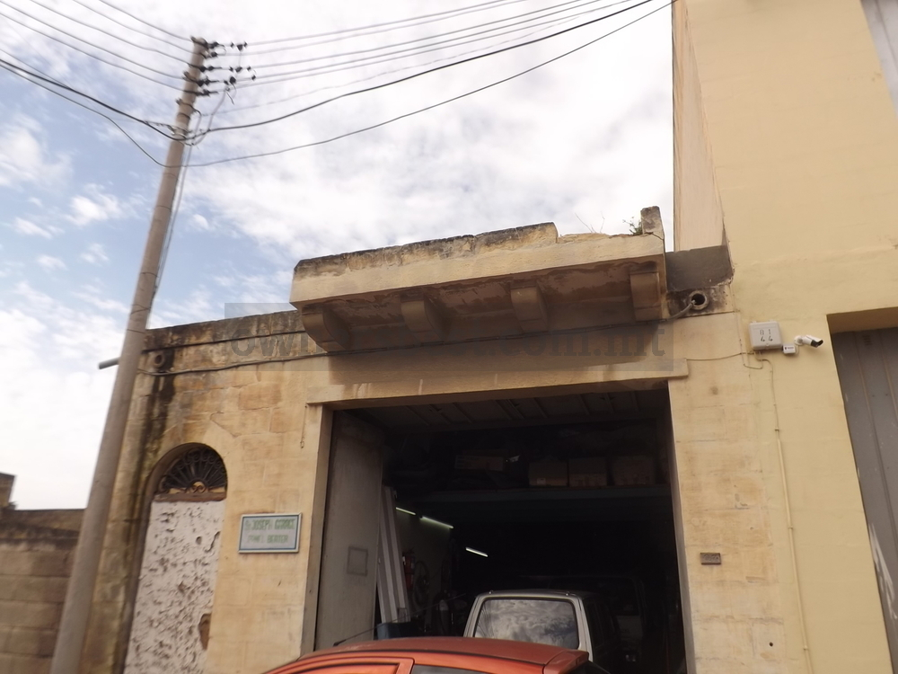 Garage Auto Repair Commercial Real Estate For Sale Delaware: Garage (Street Level) In Marsa