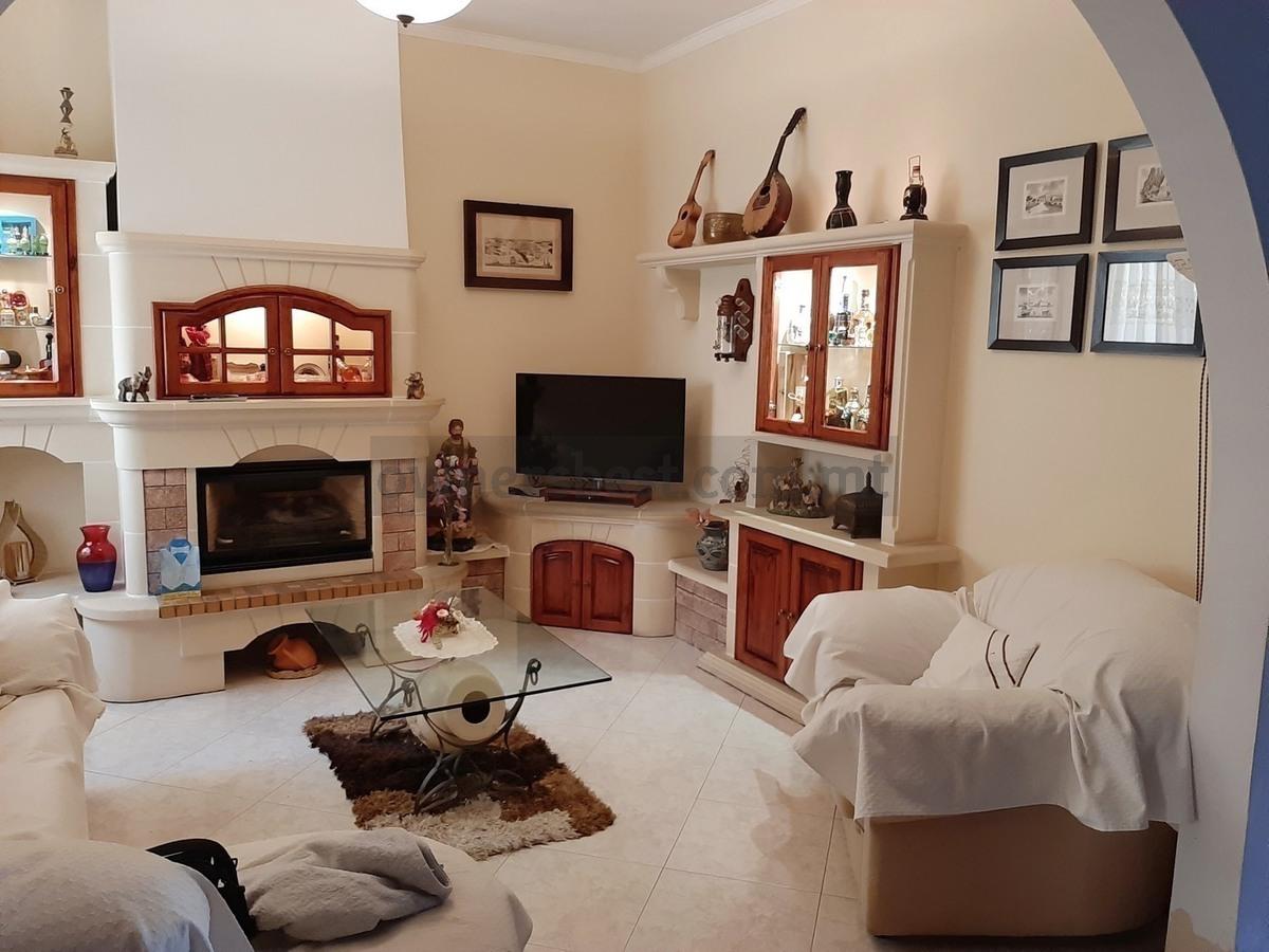 Owner S Best Terraced House In Zurrieq Detail